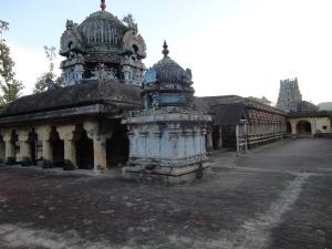 வரலாற்றின் சாட்சியாக நிற்கும் வேதபுரீசுவரர் கோவில்